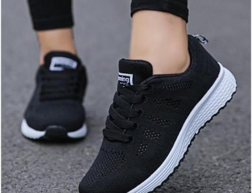 Tênis feminino para caminhada: como escolher?